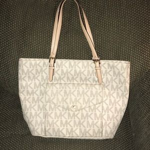 White Logo MK purse (like new!!!)
